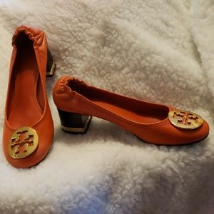 Authentic Tory Burch low heeled leather pump sz 7